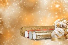 多彩多姿的包装纸劳斯礼物的与飘带 免版税库存照片