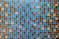 多彩多姿的小正方形铺磁砖抽象样式背景 库存图片