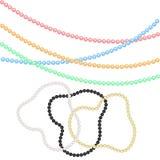 多彩多姿的小珠和镯子从珍珠欢乐装饰的为假日圣诞节,新年 对狂欢节 免版税图库摄影