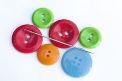 多彩多姿的按钮和针 向量例证