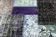 多彩多姿的旧布老地毯  免版税库存图片