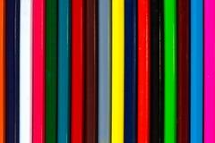 多彩多姿的木铅笔backgr垂直的五颜六色的条纹  库存图片