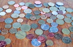 多彩多姿的硬币背景 免版税库存照片