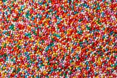 多彩多姿的糖果下落 免版税库存照片
