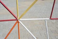 多彩多姿的金属栏杆几何形状 免版税库存图片