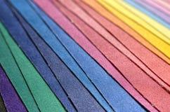 多彩多姿的织品堆 库存照片