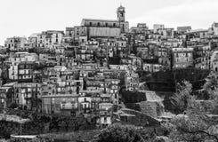 巴多拉托中世纪村庄 免版税库存图片