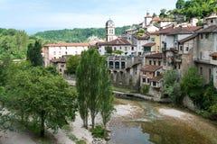 多数美丽的村庄在普罗旺斯 免版税库存图片