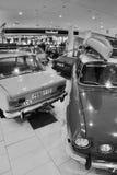 多数,捷克共和国- 2017年3月18日:老汽车斯柯达110L 1976年, Lada 2101 1972年和斯柯达加尔德角1983年在百货商店 免版税图库摄影
