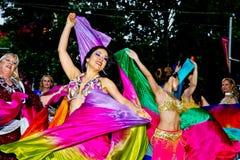 多文化节日的美丽的舞蹈家在悉尼 库存照片