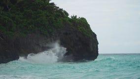 多暴风雨的天气的海岸海 博拉凯海岛菲律宾 免版税库存照片