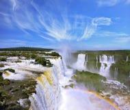 水多有排列的小瀑布  免版税库存照片