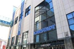 多特蒙德,德国鲁尔区,北部莱茵河西华里亚,德国- 2018年4月16日:德国联锁百货商店` Karstadt ` 免版税库存图片
