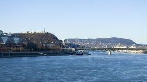 多瑙河和布达佩斯 免版税库存图片
