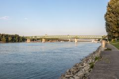 多瑙河和老桥梁在布拉索夫, 库存照片