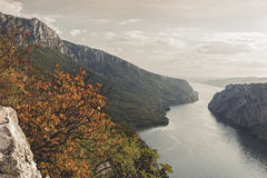 多瑙河在Djerdap国家公园,塞尔维亚 免版税库存图片