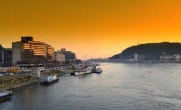 多瑙河日落布达佩斯 库存照片