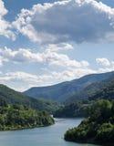 多瑙河横穿山 免版税库存照片