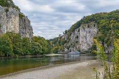 多瑙河,德国的岩石岸 免版税库存图片