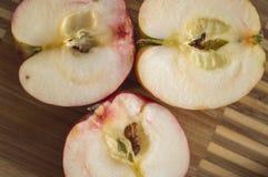 水多的成熟苹果 库存照片