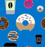 多福饼和咖啡无缝的样式 免版税库存图片