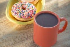 多福饼和热巧克力 库存照片