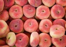 多福饼桃子销售额 免版税库存照片