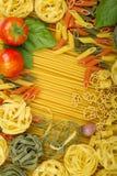 多种意大利意大利面食背景 免版税库存图片