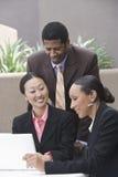 多种族商人在会议 免版税库存图片