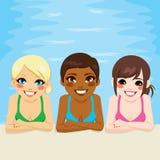 多种族妇女游泳池 库存图片