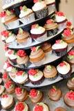 多种杯形蛋糕美食 免版税库存照片