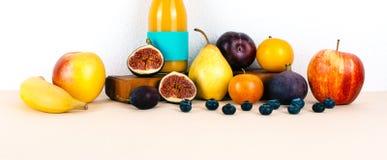 多种维生素汁液用有机秋天季节性果子 库存图片