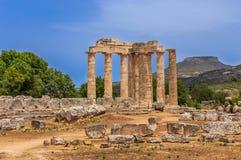 多立克体寺庙废墟在古老Nemea,科林西亚州 免版税库存图片