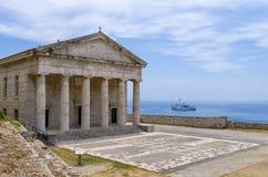 多立克体样式的老东正教在科孚岛海岛,希腊 免版税图库摄影