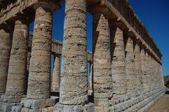 多立克体segesta西西里岛寺庙 免版税图库摄影