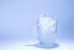多维数据集充分的玻璃冰 免版税库存图片