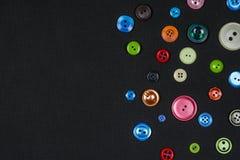 多色和各种各样的大小按钮 免版税图库摄影