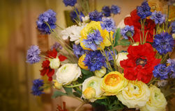 多色花卉装饰 免版税库存图片