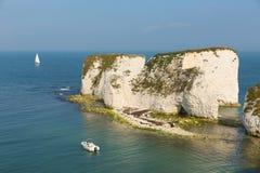 多西特海岸在Swanage南英国英国附近的白垩峭壁Studland 库存图片