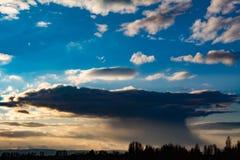 多雨的云彩 免版税库存照片
