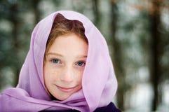 多雪森林的女孩 图库摄影