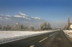 多雪横向的路 免版税库存图片