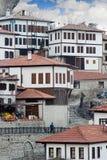 多雪的冬时的Karabuk土耳其番红花城房子 库存照片