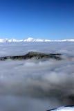 多雪的山峰 免版税图库摄影