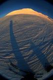 多雪的山腰 免版税图库摄影