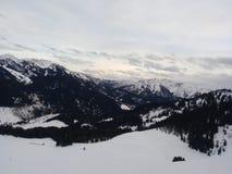 多雪的山 库存图片