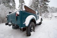 多雪的汽车 库存照片