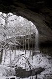 多雪的瀑布 免版税图库摄影