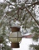多雪的灯笼 免版税库存照片