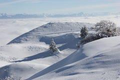 多雪的montains 免版税库存照片